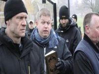 Danimarkalı ırkçı lider Kur'an-ı Kerim yaktı