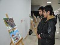Öğrenciler dünya mustazaflarını fotoğraf sergisiyle anlattı