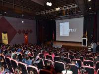 Köy öğrencileri sinema ile tanıştı