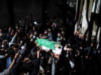 Siyonist işgalciler Kudüs'te bir Filistinliyi şehit etti