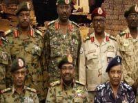 Sudan'da darbe girişimi! Ordu devlet televizyonu binasına girdi