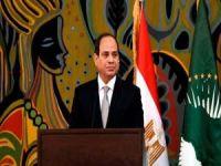 Darbeci Sisi'nin 2030'a kadar görevde kalmasının yolu açıldı