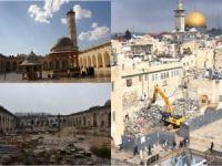 Katedrale ağlayanlar tahrip edilen İslam'ın mukaddesatlarına kör