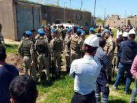 DEDAŞ ekipleri ve köylüler arasında arbede: 10 yaralı
