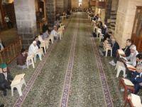Mukabele geleneği 4 asırlık camide yaşatılıyor