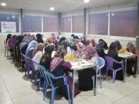 IHO EBRAR'dan medrese öğrencilerine iftar yemeği
