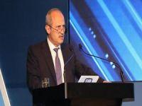 Bakan Turhan: 'Türkiye evde kalsın' diye hizmetler internet üzerinden veriliyor