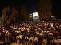 On binler teravih namazını Mescid-i Aksa'da kıldı
