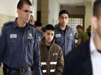 Filistinli 250 esir çocuk bayram elbiselerinden mahrum
