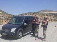 Jandarma'dan narkotik ve göçmen kaçakçılığı uygulaması