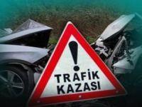 Kamyonun çektiği otomobile TIR çarptı: 3 ölü 2 yaralı