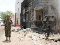 Yemen'de askeri kampa saldırı: 20 ölü
