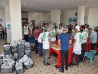 Umut Kervanı binlerce aileye kurban eti dağıtmaya başladı