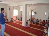 Kur'an kursu öğrencilerine diş sağlığı eğitimi