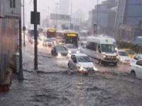 İstanbul'da sağanak sele neden oldu: Bir ölü