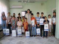 IHO-EBRAR'dan yetim öğrencilere kırtasiye yardımı