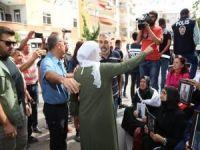 HDP'lilerden evlat nöbetini tutan ailelere hakaret