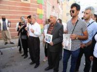 İran'dan 5 aile evlat nöbeti tutan ailelere katıldı