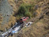 Araç uçuruma yuvarlandı: 5 yaralı