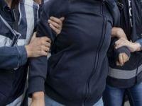 İzmir merkezli FETÖ operasyonunda 66 kişi yakalandı