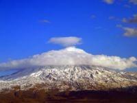 Ağrı Dağı'nda kartpostallık görüntü