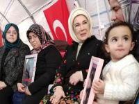 """Emine Erdoğan: """"2020 bitmeden çocuklarınıza kavuşacaksınız"""""""