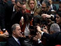 Bakan Akar: Dileğimiz hem İdlib hem Libya'da akan kanın durması