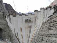 Türkiye'nin en yüksek barajı olacak Yusufeli Barajı'nda son 100 metre