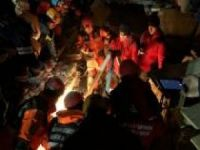 Mardin ekibi göçük altından 4 kişilik aileyi çıkardı