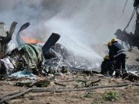 Cezayir'de askeri eğitim uçağı düştü iki pilot hayatını kaybetti