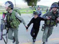 İşgal terör rejimi bir Filistinliyi yaraladı, 12 kişiyi de alıkoydu