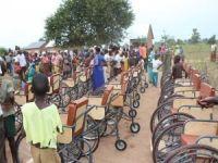 Avrupa Yetim Eli Uganda'da 23 engelliye tekerlekli sandalye dağıttı