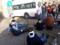 Şanlıurfa'da işçi servisi ile minibüs çarpıştı: 18 yaralı