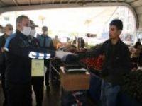 Şanlıurfa'da semt pazarlarına maske takmayanlar alınmadı