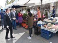 Bağlar Belediye Başkanı, kadın semt pazarında Covid-19 önlemlerini denetledi