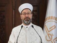 """Erbaş: """"Kur'an'ın mesajını anlatmak ve yaşamak bizim için en önemli sorumluluktur"""""""