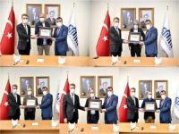Malatya'da maske üreten firmalar ödüllendirildi