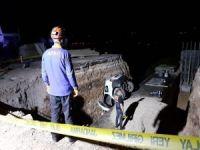 Otomobil menfez çukuruna düştü, baba ve oğul hayatını kaybetti