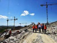 Malatya'da depremzedeler için inşa edilen konut çalışmaları tedbirler çerçevesinde sürüyor