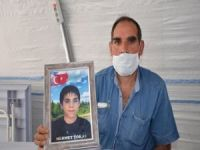 Evlat nöbetindeki baba: HDP'liler evime gelip fotoğrafımı çekip, tehdit etti