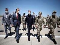 Milli Savunma Bakanı Hulusi Akar Şanlıurfa'da incelemelerde bulundu