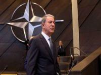 Bakan Akar, NATO Genel Sekreteri Stoltenberg ile telefonda görüştü