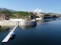 Hasankeyf'te rüzgarın etkisiyle 3 yüzer liman koptu