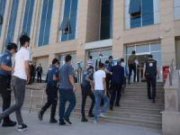 Eşzamanlı göçmen kaçakçılığı operasyonunda 5 kişi gözaltına alındı