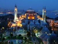 Ayasofya Camii'ne 3 imam 5 müezzin atandı