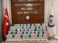 Kamyonet bagajında 61 kilogram eroin ele geçirildi