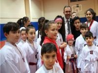 """Gençlik ve Spor Bakanı Kasapoğlu'ndan başarılı sporculara """"yeni müjde"""""""
