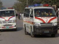 Pakistan'da üstü yolcu dolu minibüs kaza yaptı: 10 ölü 20 yaralı