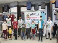 Avrupa Yetim Eli Elâzığ'da 100 yetimi giydirdi
