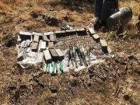 Pençe Kaplan Operasyonu'nda PKK'ya ait mühimmat ele geçirildi